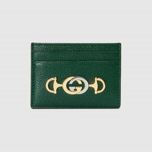 https://www.gucci.com/uk/en_gb/pr/women/womens-accessories/womens-wallets-small-accessories/womens-card-cases/gucci-zumi-grainy-leather-card-case-p-5706791B90X3154?position=4&listName=ProductGrid&categoryPath=Women/Womens-Accessories/Womens-Wallets-Small-Accessories